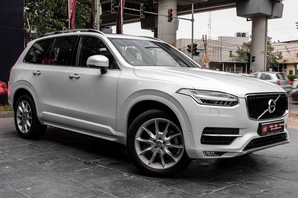 2017-Volvo-XC90-White-2