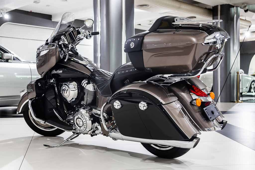 2018-Indian-Chief-Roadmaster-Black-&-Brown-8