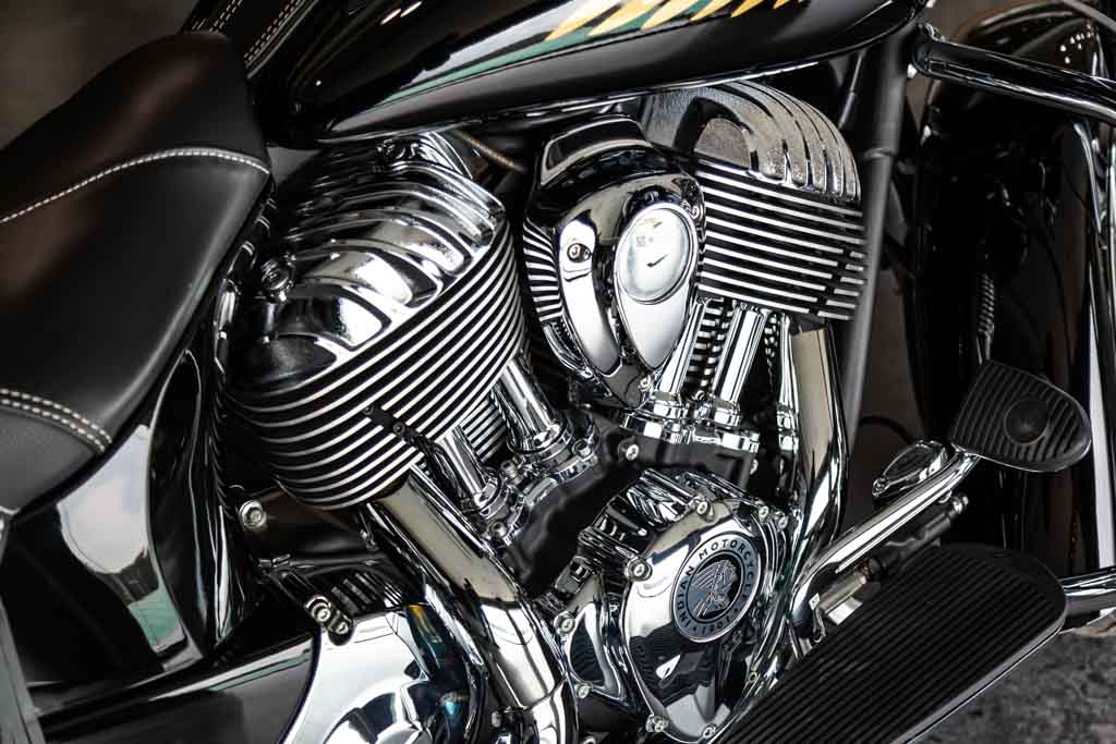 2018-Indian-Chieftain-Classic-Black-5