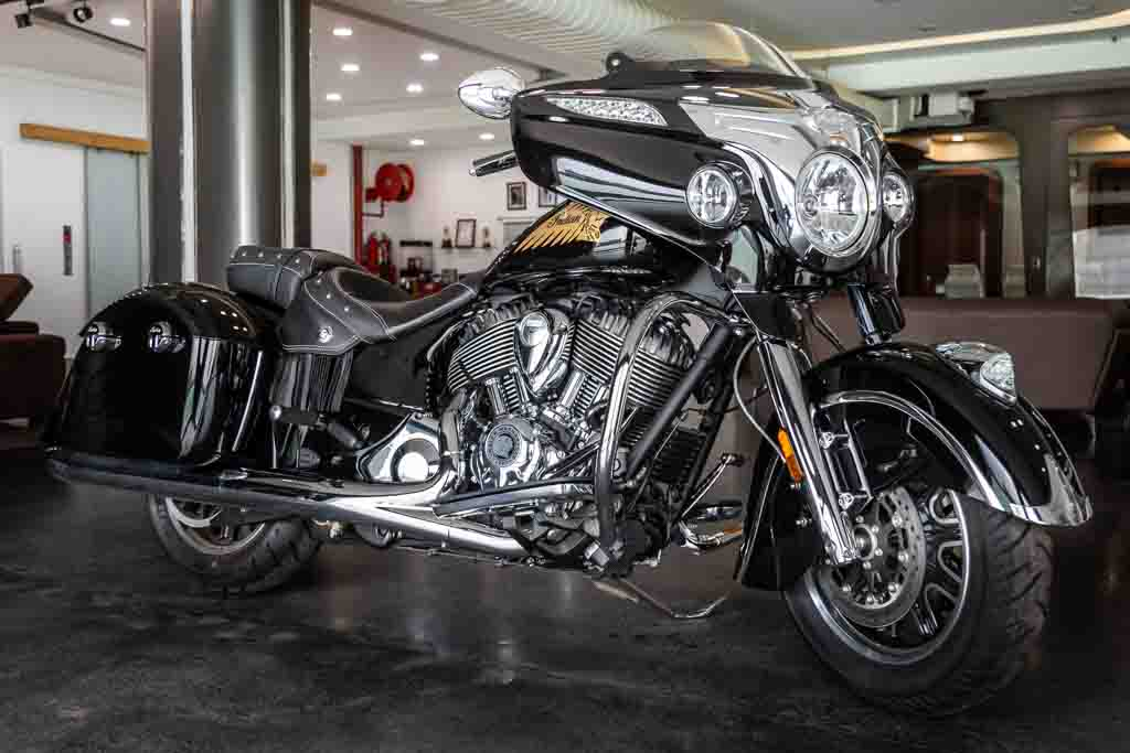 2018-Indian-Chieftain-Classic-Black-7