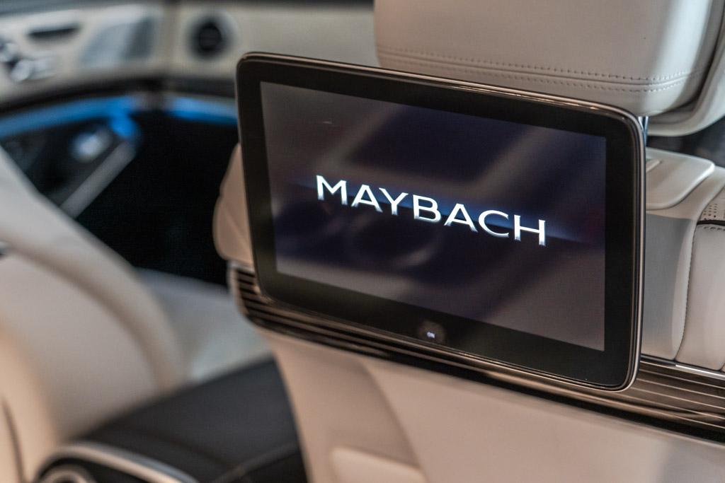 2018-Maybach-S560-black-26