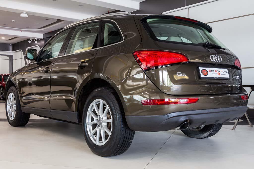 Audi-Q5-12