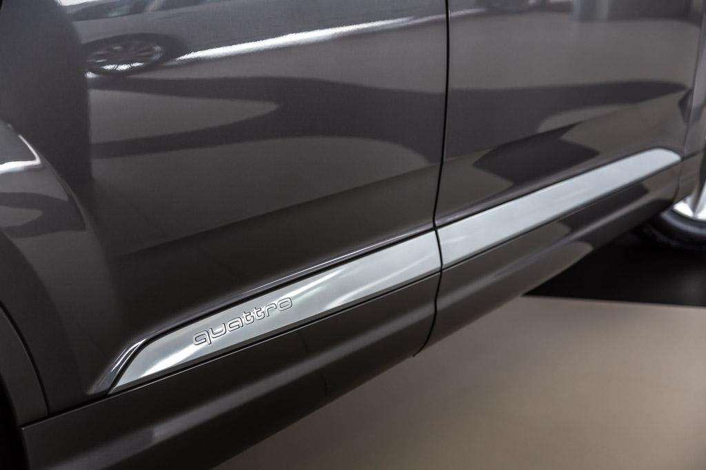 Audi-Q7-Premium-Plus-10