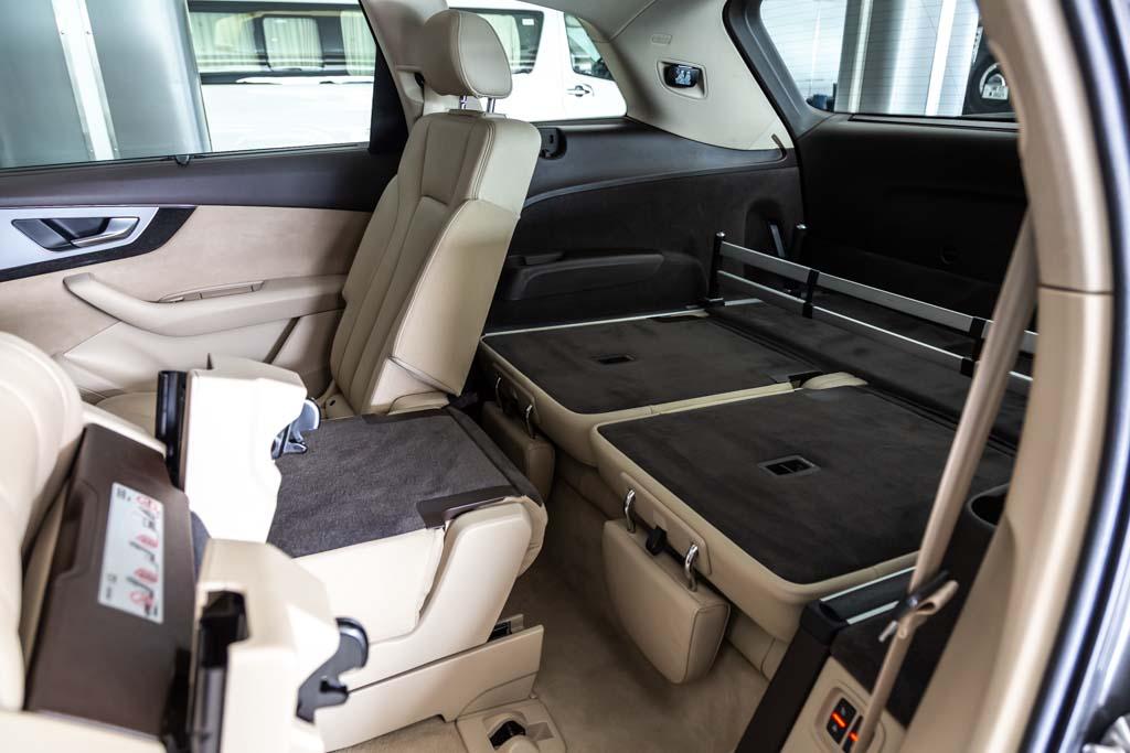 Audi-Q7-Premium-Plus-33