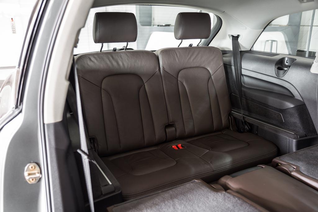 Audi-Q7-Premium-Plus-Grey-17