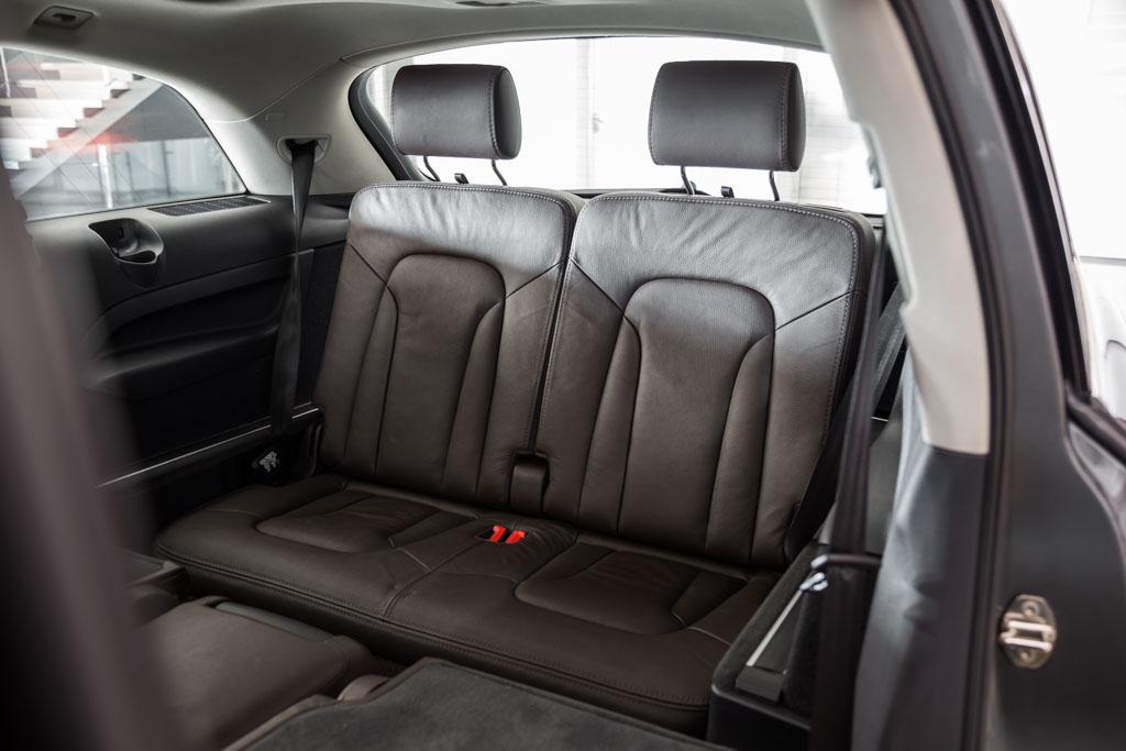 Audi-Q7-Premium-Plus-Grey-18