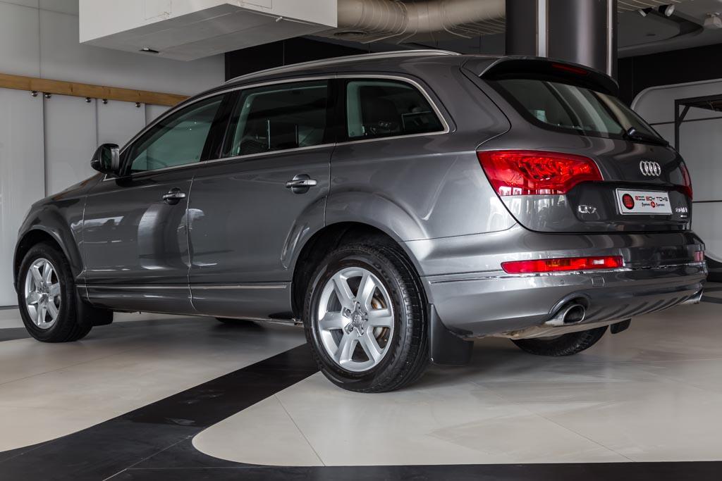 Audi-Q7-Premium-Plus-Grey-24