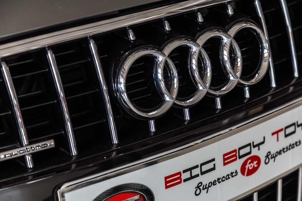 Audi-Q7-Premium-Plus-Grey-5