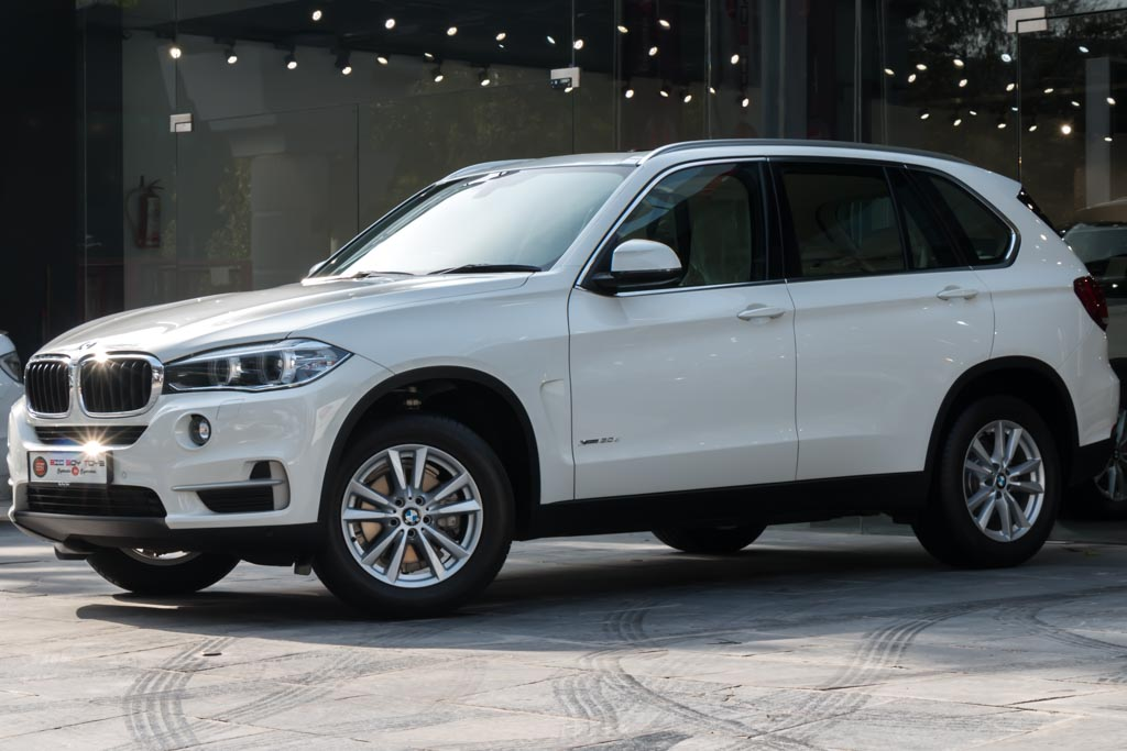 BMW-X5-(3-of-22)