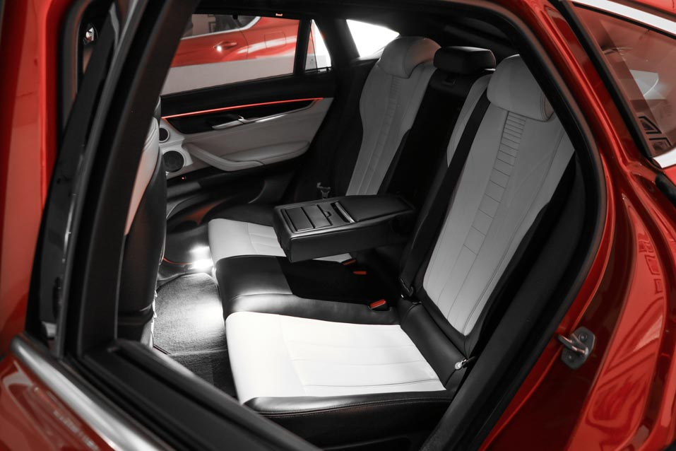 BMW-X6-Red-(23-of-28)