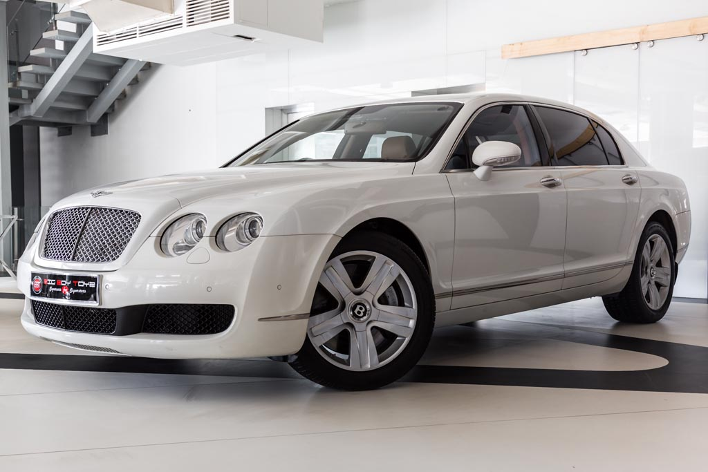 Bentley-Continental-Flying-Spur-White-4