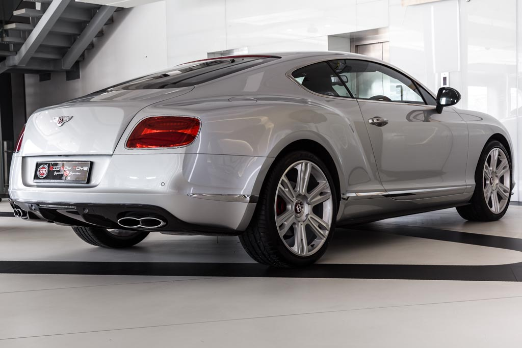 Bentley-Continental-GT-24
