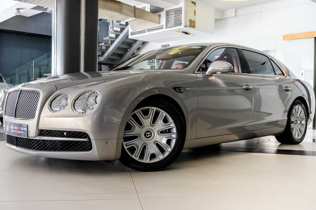 Bentley-Flying-Spur-'W12'-13
