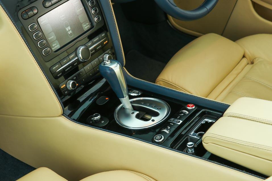 Bentley-GTC-Blue-(22-of-32)