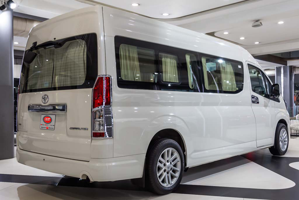 Commuter-Toyota-white-29-