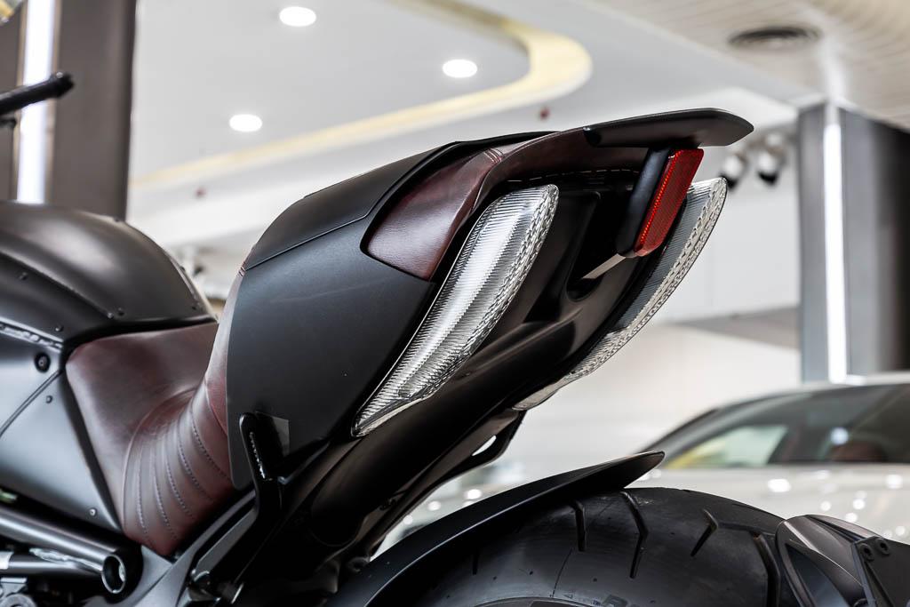 Ducati-Diavel-Diesel-Rusty-Black-20