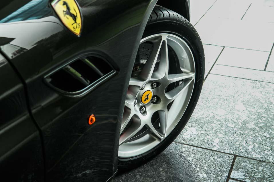 Ferrari-California-Black-(17-of-44)