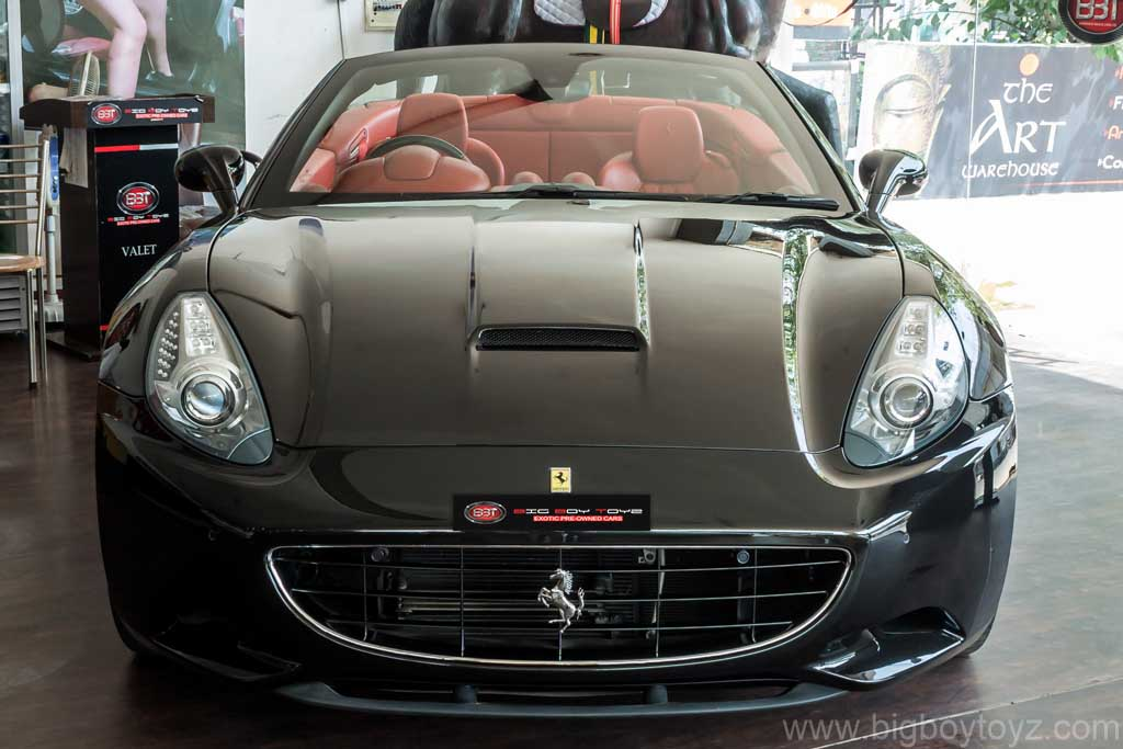 Ferrari_California_Black_25
