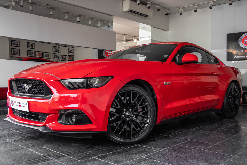 Ford-Mustang-Red-(17-of-26)