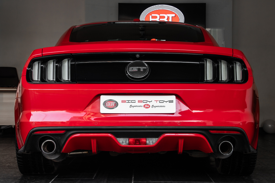 Ford-Mustang-Red-(30-of-13)