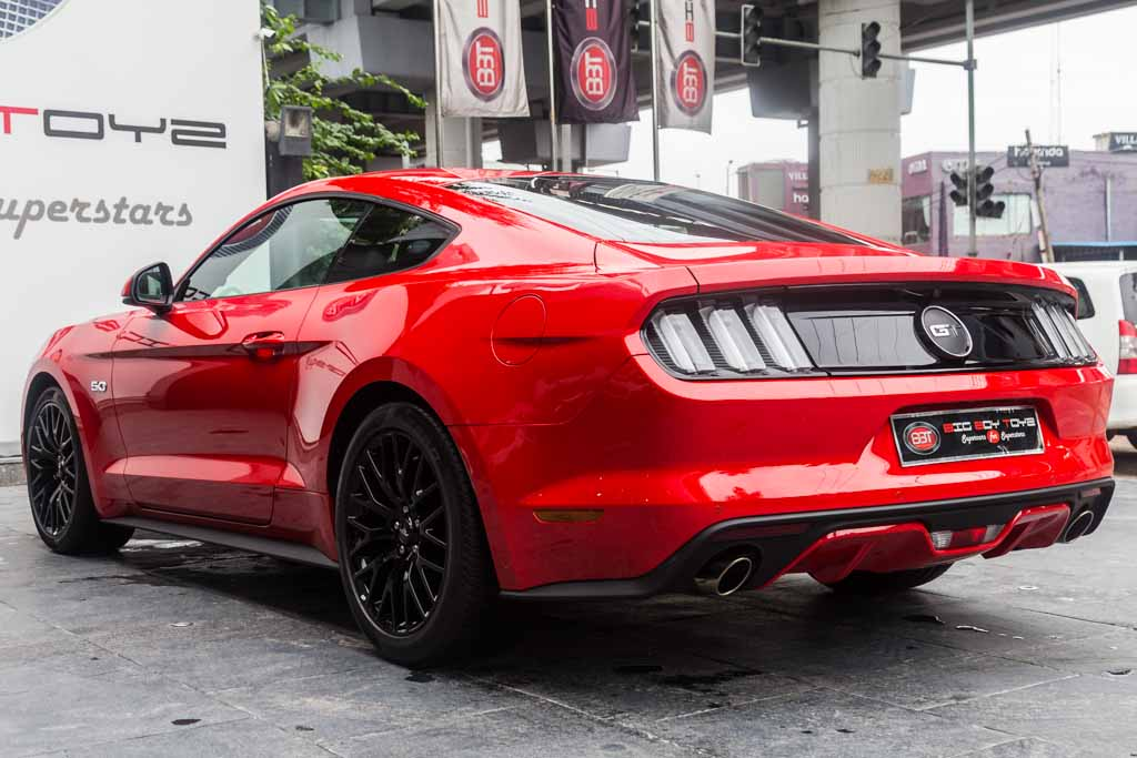 Ford-Mustang-Red-2