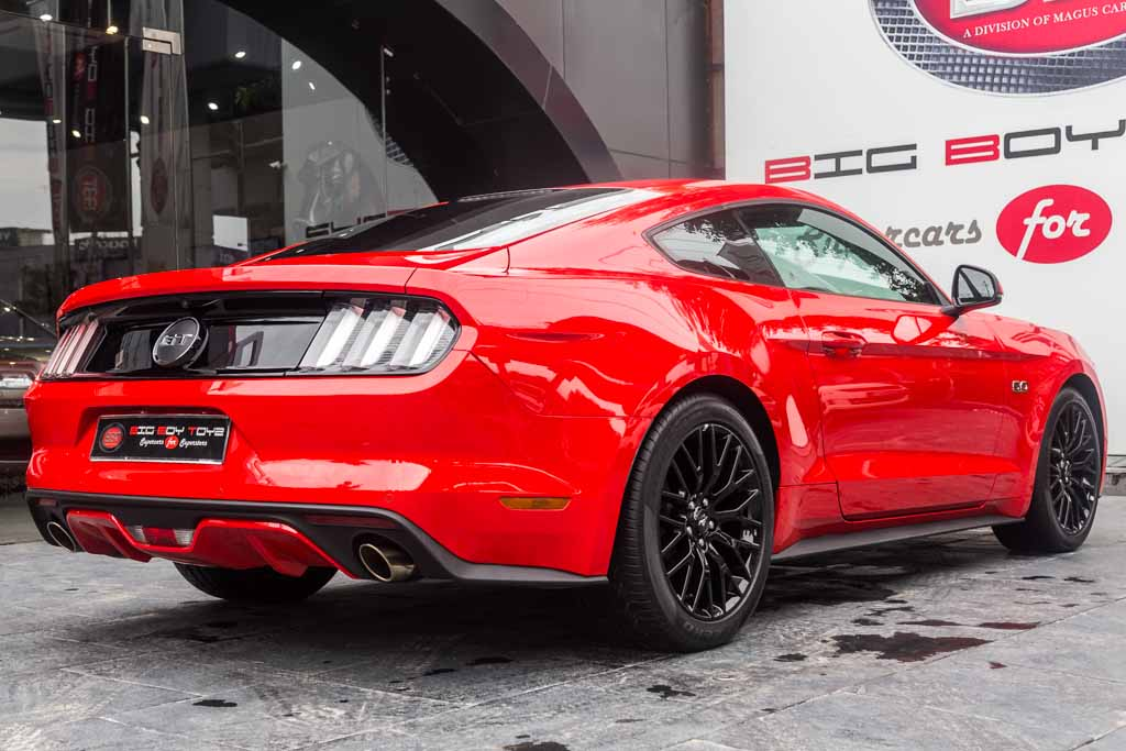 Ford-Mustang-Red-3