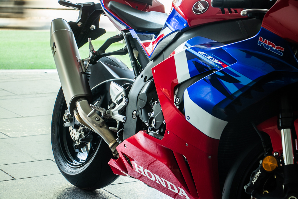 Honda-CBR-Red-(13-of-22)