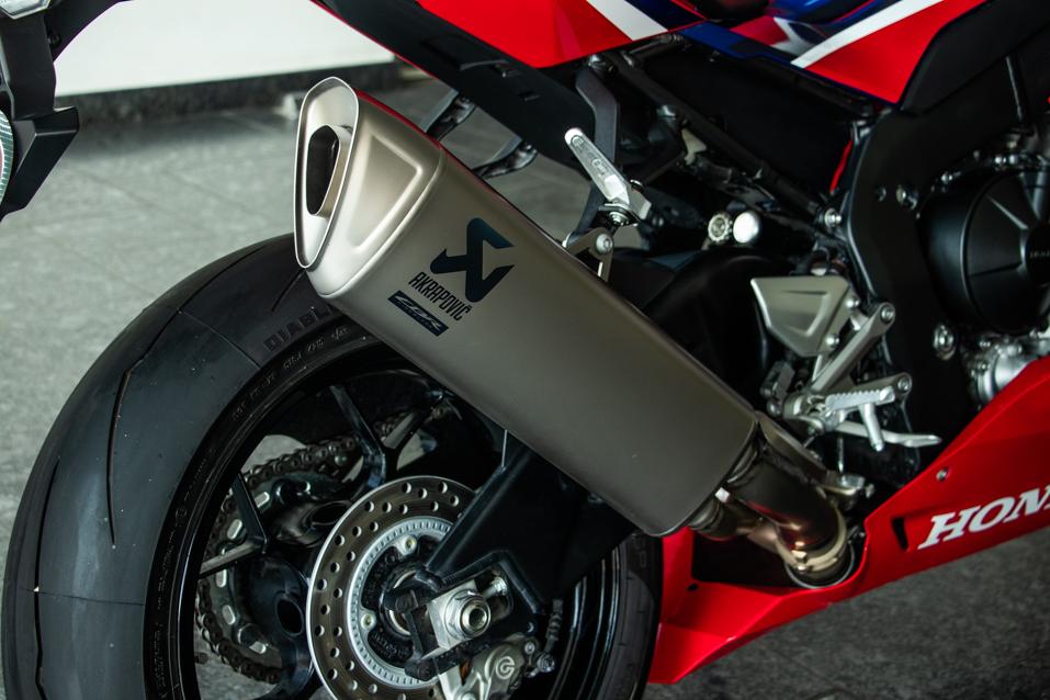 Honda-CBR-Red-(16-of-22)