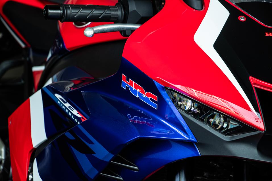 Honda-CBR-Red-(18-of-22)