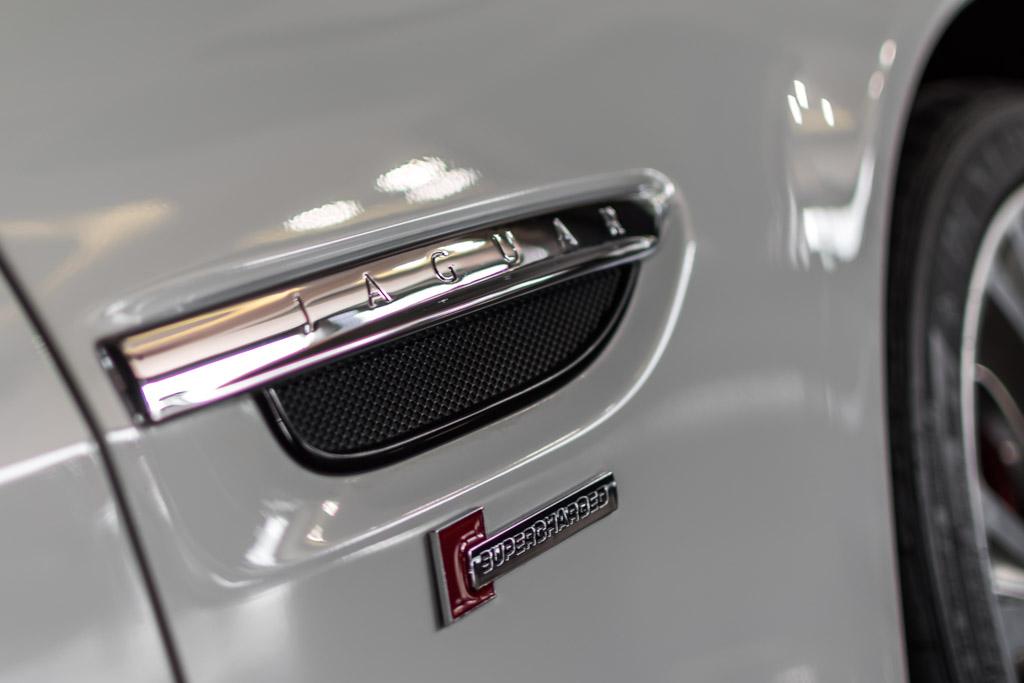 Jaguar-XKR-Special-Edition-White-2