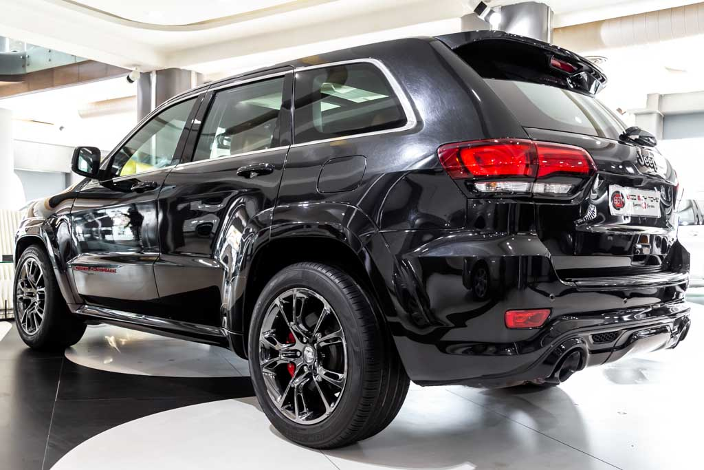 Jeep-Cherokee-SRT-2016-Black-35