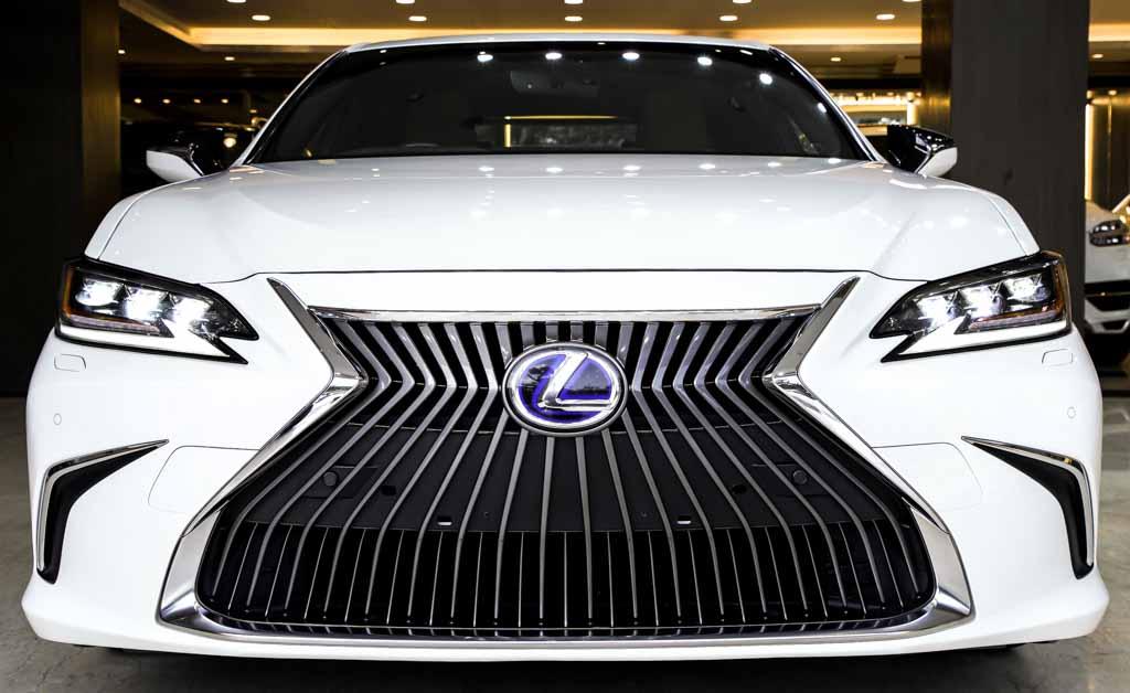 Lexus--ES300H-HYD-07209