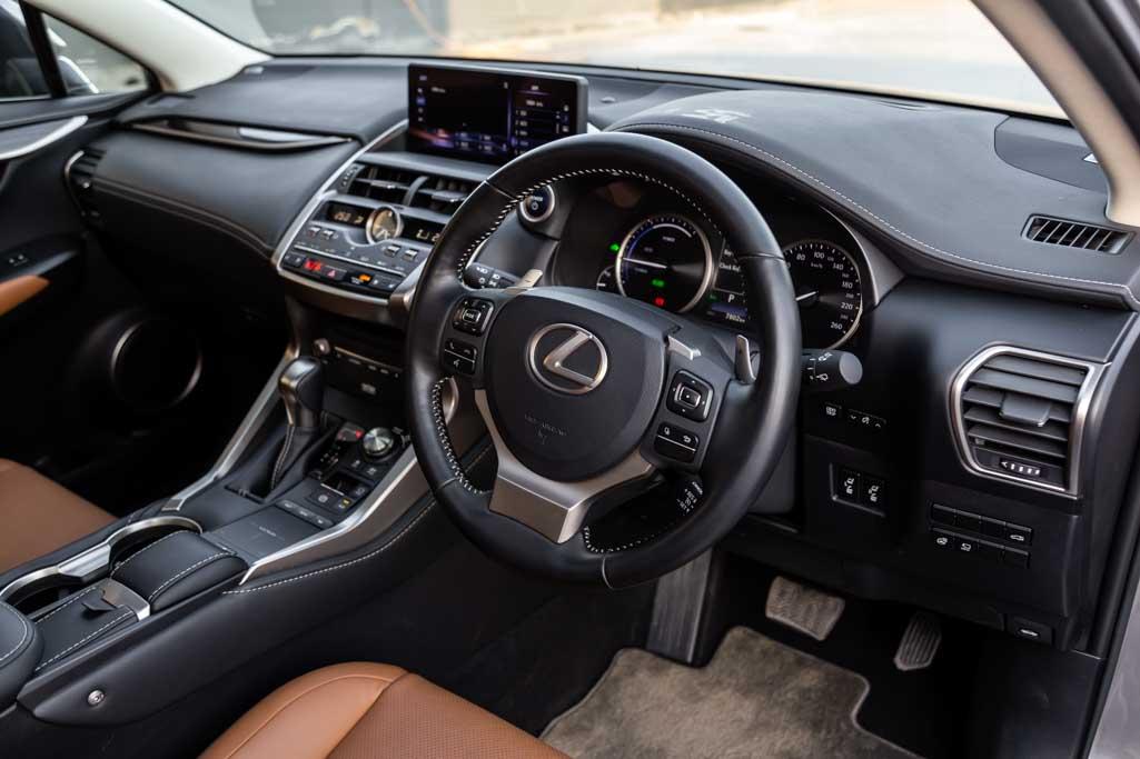 Lexus-NX-300H-Luxury-20