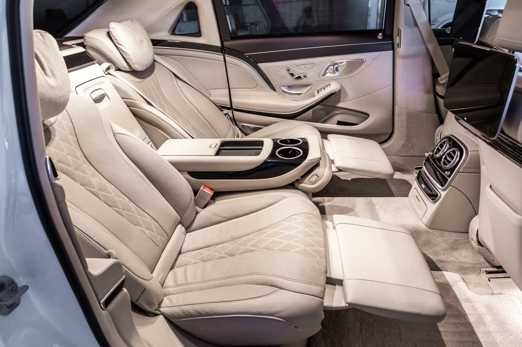 MERCEDES-MAYBACH-S560-18