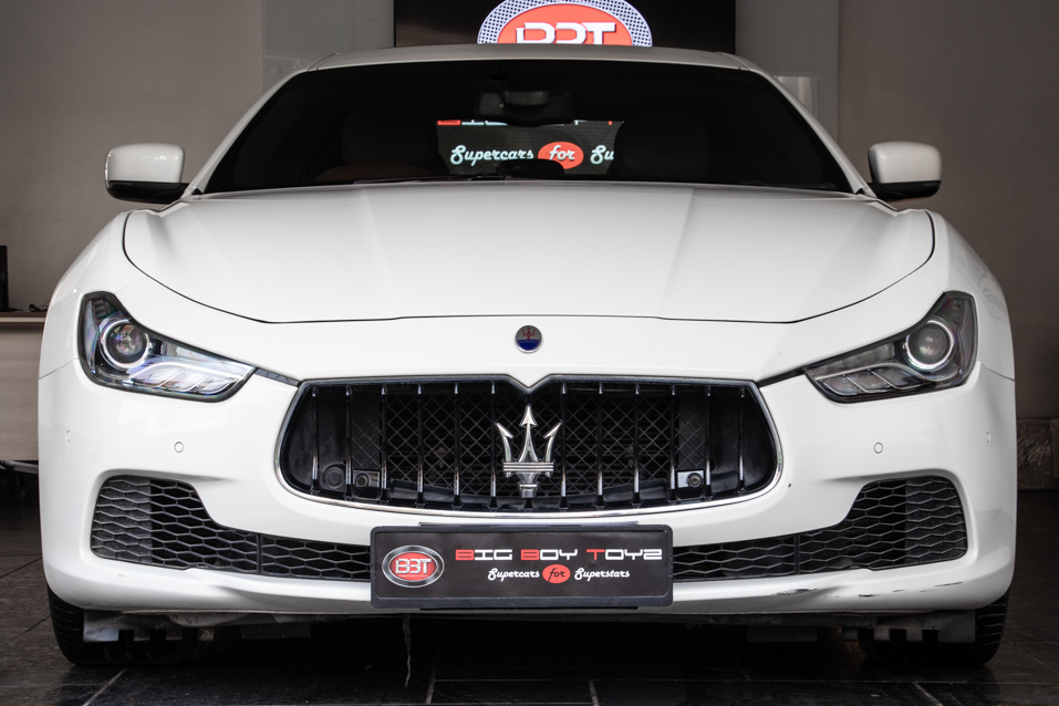 Maserati-Ghibli-White-(55-of-31)