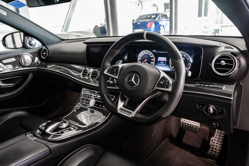 Mercedes-AM-E63-S-4matic+-12