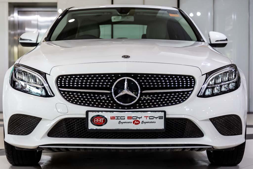 Mercedes-Benz-C220d-White-1
