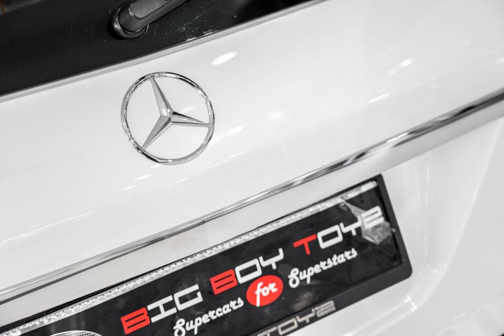 Mercedes-Benz-GLS-White-18