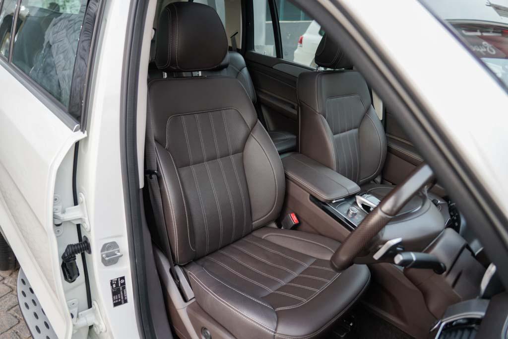 Mercedes-Benz-GLS-White-24