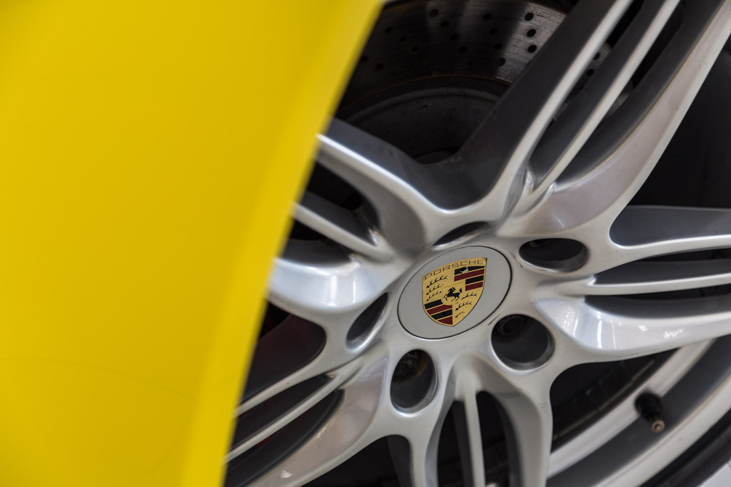 Porsche-911-Carrera-S-Racing-Yellow-7