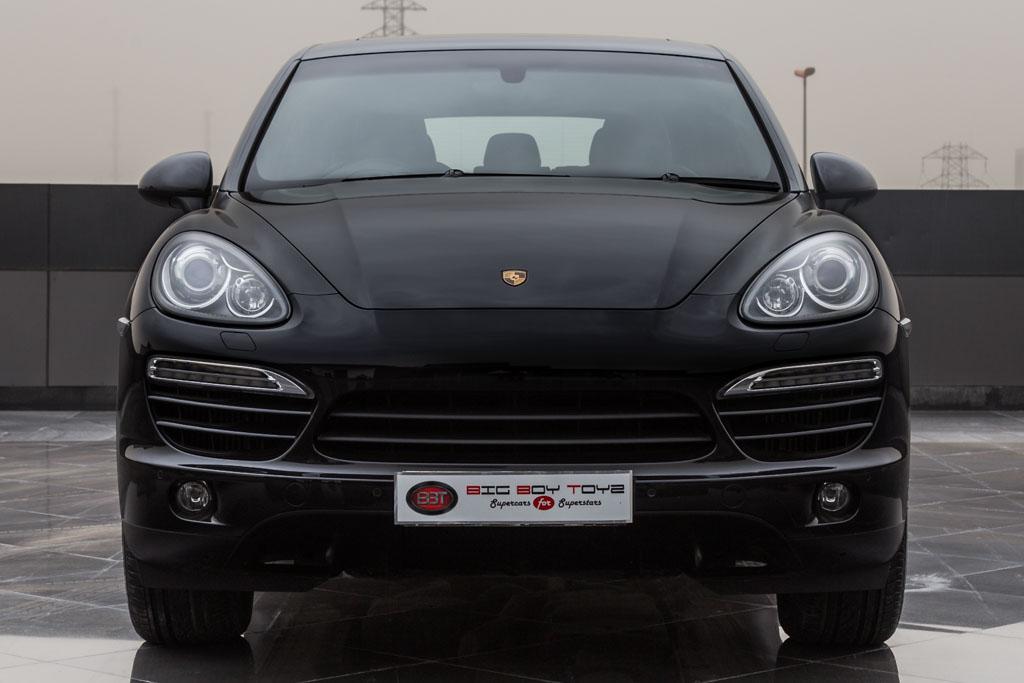 Porsche-Cayenne-Black-Diesel-1
