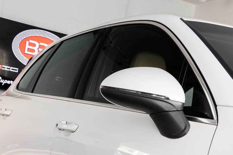 Porsche-Cayenne-White-(22-of-30)