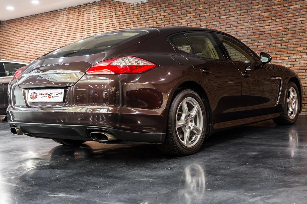Porsche-Panamera-Diesel-Mahagony-17