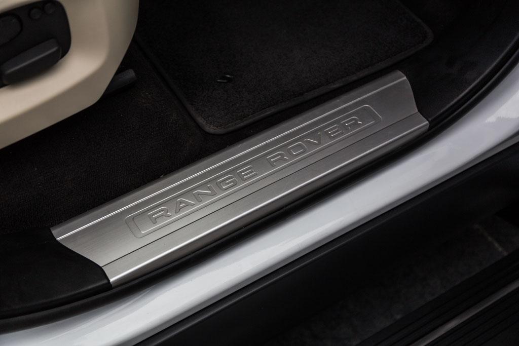 Range-Rover-Sport-HSE-White-17