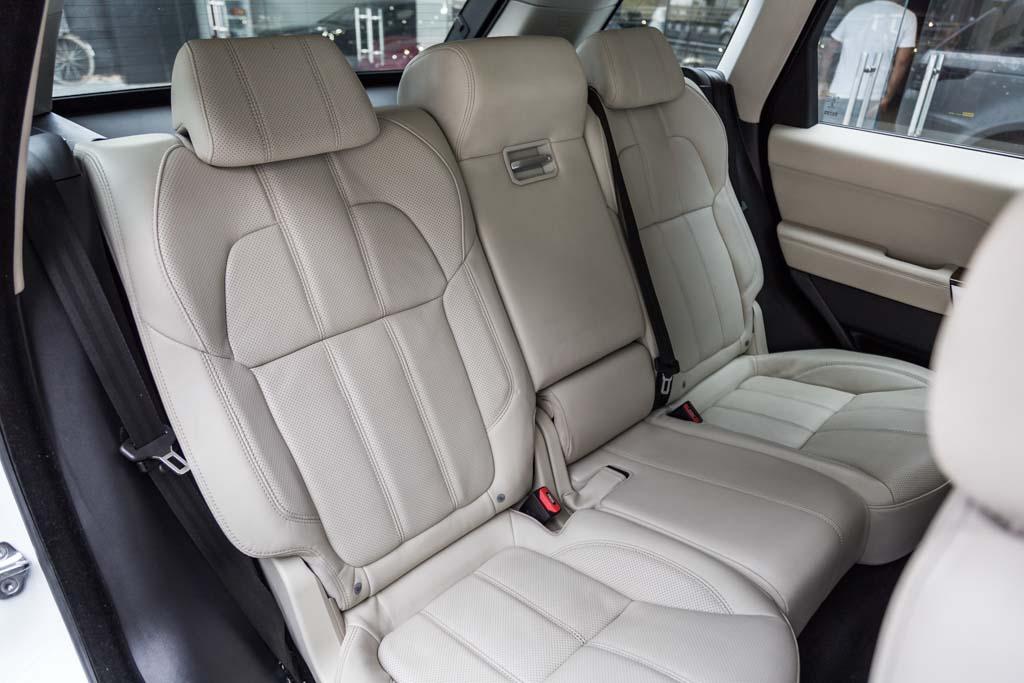 Range-Rover-Sport-HSE-White-21