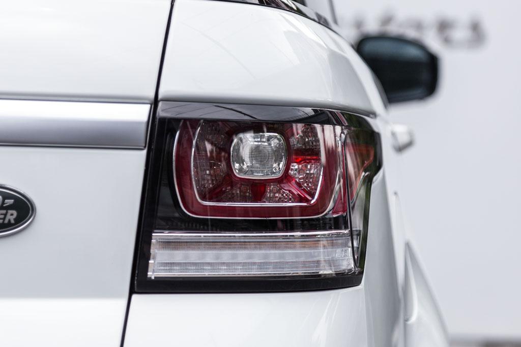 Range-Rover-Sport-HSE-White-5