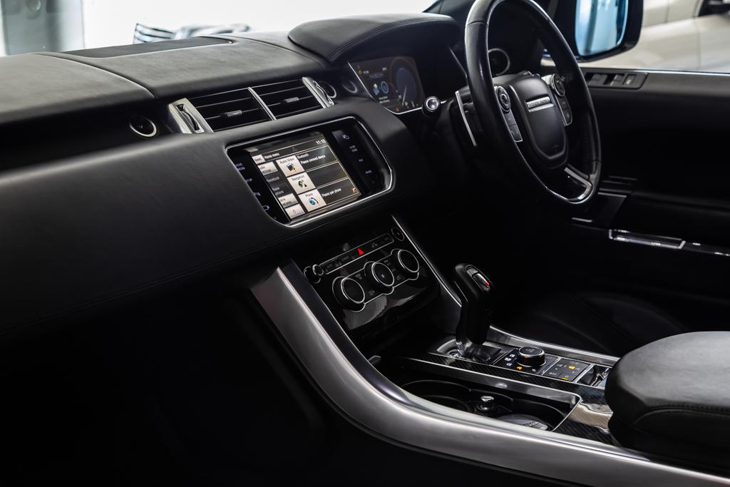 Range-Rover-Sport-SVR-24