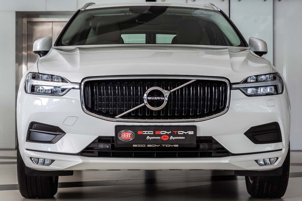 XC60-White-Brown-Int-1